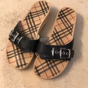 Burberry wood bottoms sandals